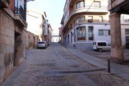 Cruce de la Calle Mayor con la Calle del Barco