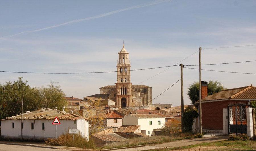 Vista de la Iglesia y el pueblo